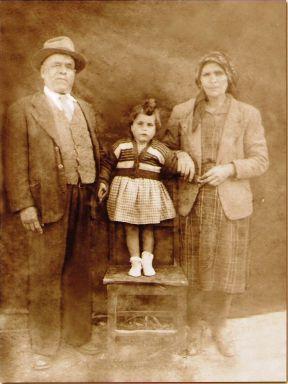 Ti Manecas e esposa Adelina com a Estelinha