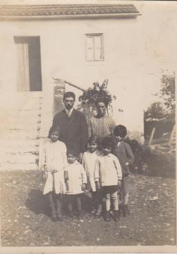 Helena Amália com os pais e irmãos