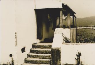 Casa do João Beato na Rua do Ferreiro Varanda com colunas em pedra
