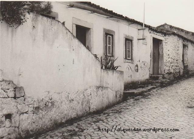 A casa de José Rosa ficava na Rua Comandante Afonso Vieira Dionisio e foi destruída para dar lugar ao Centro de Dia. Nesta casa funcionou o primeiro Posto de Correio desde 1901 até cerca de 1935.
